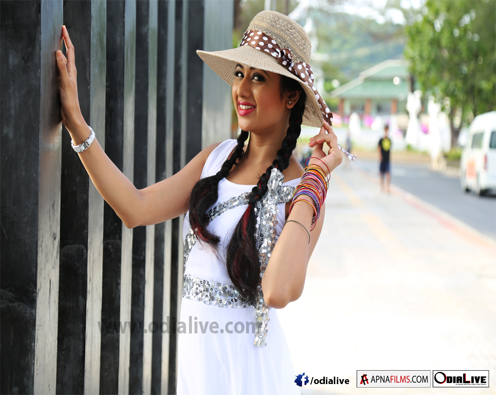 archita-odia-actress-wallpapers